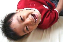 lyckligt barn för 1 pojke Arkivfoton