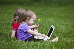 lyckligt barn för affär Arkivbilder