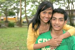 lyckligt barn för asiatiska par Royaltyfria Foton