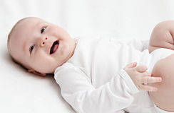 Lyckligt behandla som ett barn Royaltyfria Foton