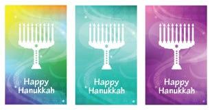 Lyckligt Chanukkahhälsningkort med bokstäver och menoror Magisk banermall för judisk ferie Arkivbilder