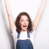 lyckligt extatiskt fira för kvinna vara en vinnare Royaltyfri Fotografi