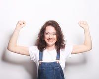 lyckligt extatiskt fira för kvinna vara en vinnare Arkivbilder
