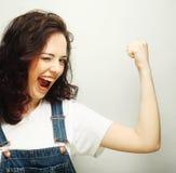 lyckligt extatiskt fira för kvinna vara en vinnare Arkivfoton
