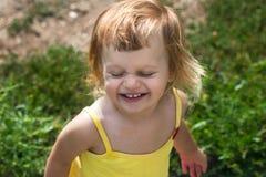 Lyckligt glat barn Arkivbilder