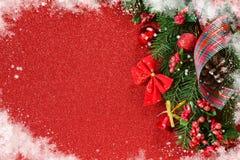 lyckligt glatt nytt år för jul Röd bakgrund för nytt år arkivfoto