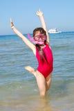 lyckligt havsbarn för flicka Royaltyfri Bild