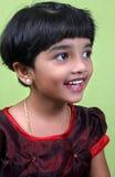 lyckligt indiskt skratta för flicka Royaltyfri Foto