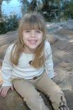 lyckligt le för barn royaltyfria bilder