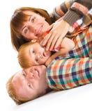 Lyckligt le för familjstående Royaltyfri Fotografi