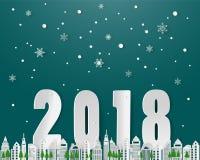 Lyckligt nytt år på vintersäsong, snöflingastadslandskap med text 2018, pappers- konsthantverkdesign Royaltyfria Foton