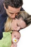 lyckligt ståendebarn för familj royaltyfri foto