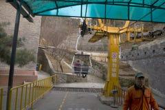 Lyft till den stora väggen av Kina Royaltyfri Foto