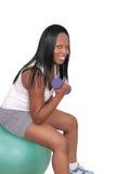 lyftande viktkvinna Arkivbilder