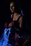 lyftande viktkvinna Royaltyfri Foto