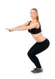 lyftande weights le för attraktiv kameracloseupkondition kvinnan Royaltyfri Fotografi