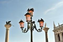 Lykta på Sanen Marco Square i Venedig Royaltyfria Bilder