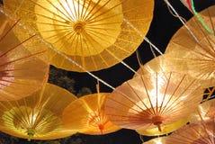 lyktan like paraplyet Arkivfoton