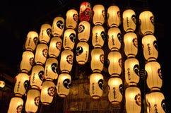 Lyktor av den Gion festivalen, Kyoto Japan i Juli arkivfoton