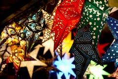 Lyktor på julmarknad Fotografering för Bildbyråer