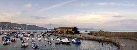 Lyme Regis港口 免版税库存图片