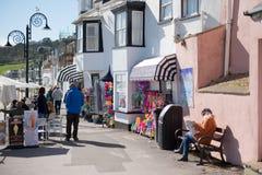 LYME REGIS, DORSET/UK - 22. MÄRZ: Ansicht der Promenade bei Lyme Lizenzfreie Stockbilder
