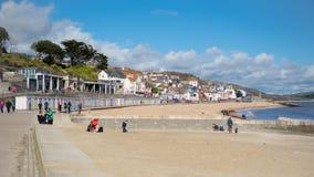 LYME REGIS, DORSET/UK - 22. MÄRZ: Ansicht des Strandes an Lyme Ausrichtung Stockbild