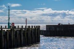 LYME REGIS, DORSET/UK - 22. MÄRZ: Hafen-Wände in Lyme Regis I Lizenzfreies Stockbild
