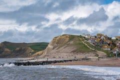 LYME REGIS, DORSET/UK - 22. MÄRZ: Juraküstenlinie bei Lyme bezüglich Lizenzfreies Stockfoto