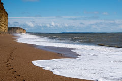 LYME REGIS, DORSET/UK - MARS 22: Jurassic kustlinje på beträffande Lyme Royaltyfria Foton