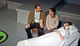 LYNDEN, WA â LUTY 16 â dziewczyn teatru Radowa produkcja Obrazy Stock