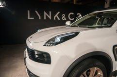 LYNK- & för Co 01 bil Arkivfoto
