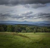 Lynnig sikt av de Catskill bergen av New York royaltyfri fotografi