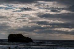 Lynniga himlar i Cornwall Arkivfoton