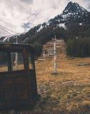 Lynnigt skidar stationen i Poya arkivbilder