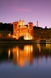 Lyon an der Dämmerung lizenzfreie stockfotos