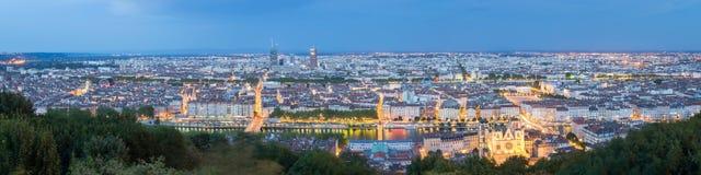 Lyon en la noche, Francia imagen de archivo libre de regalías