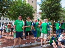 Lyon, França - 16 de junho de 2016: Fãs de Irlanda do Norte no campeonato europeu do futebol Fotografia de Stock Royalty Free