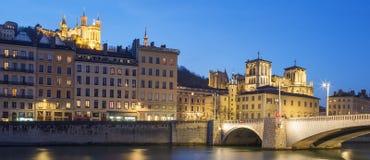 Lyon med Saone River på natten Fotografering för Bildbyråer