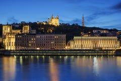 Lyon por noche fotografía de archivo