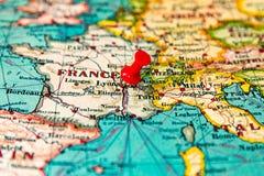 Lyons, Francja przyczepiał na rocznik mapie Europa Zdjęcie Stock