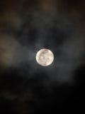 Lysande fullmåne Arkivfoto