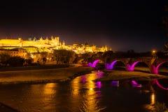 Lysande medeltida ramparts och bro Carcassonne arkivbild