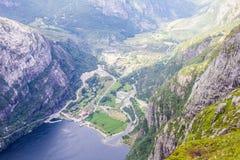Lysefjord和Lysebotn鸟瞰图从山谢拉格山,在Forsand自治市 图库摄影