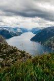 Lysefjord sikt från den Preikestolen klippan i Norge Fotografering för Bildbyråer