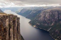 Lysefjorden鸟瞰图从山谢拉格山的,在Forsand自治市在罗加兰县,挪威 库存照片