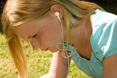 Lyssna till musik Arkivbild