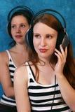 Lyssna till musiken arkivfoton