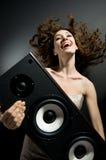 lyssnande musik arkivbilder