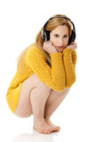 lyssnande musik royaltyfri bild